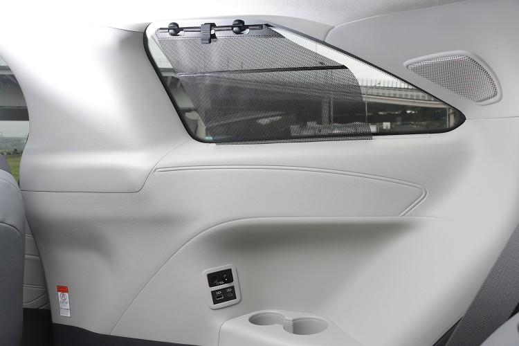 在車內配備方面,有JBL12具揚聲器、全車18個置杯架與7個USB充電裝置等。