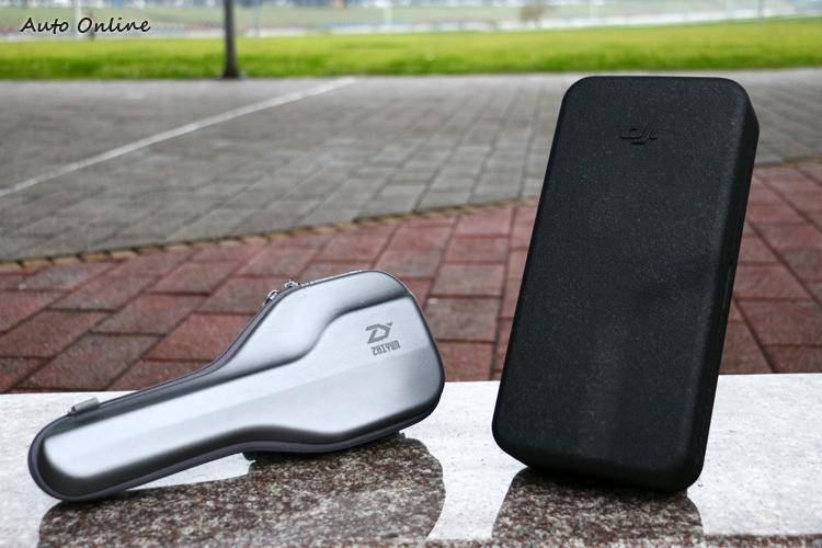 Z1 Smooth Q的收納盒設計相當特別,體積也比OSMO Mobile 2的收納盒小。