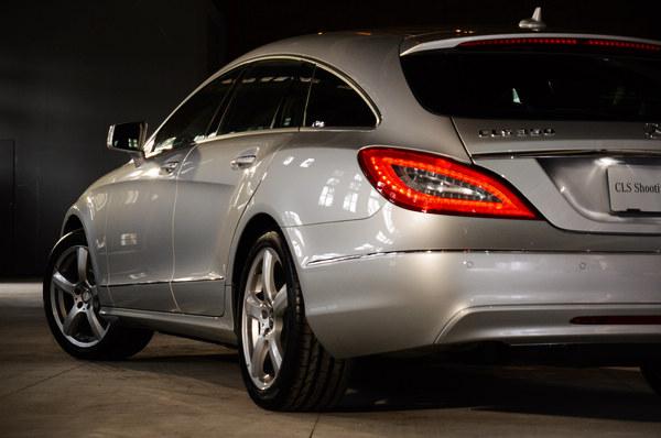 優雅的身段令人想起M-BENZ CLS轎跑的線條,而這也是現代Shooting Brake車型的共同特徵。