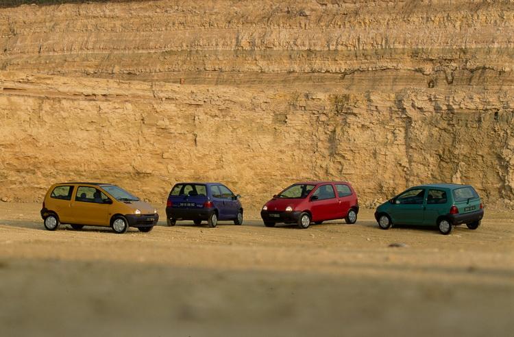 Twingo初上市時一切從簡,一種引擎、一種內裝、四種車色
