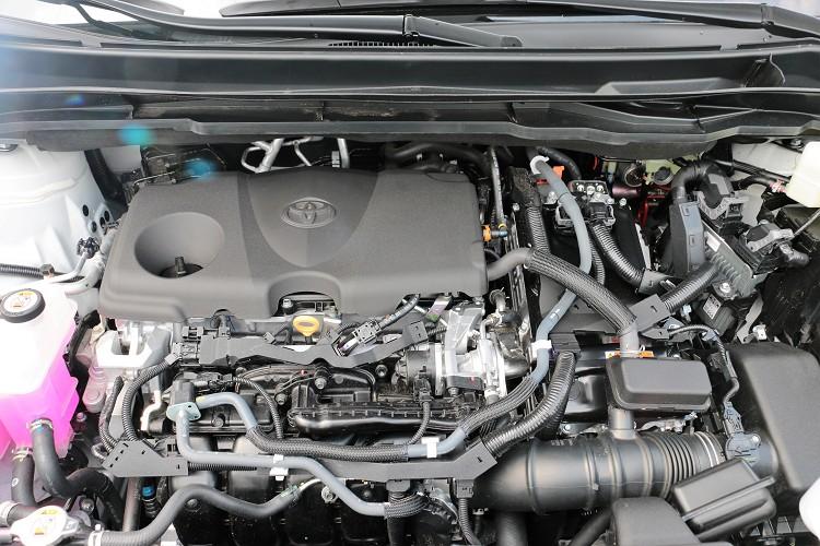 1全新車款搭載全新動力,捨去前代3.5升V6自然進氣引擎,換上了Dynamic Force 2.5L Hybrid系統。