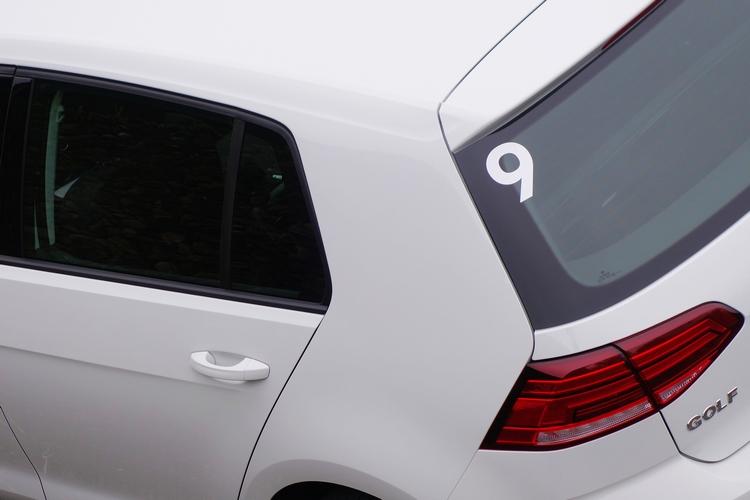 厚實的C柱與動感的車身,都是歷代Golf車系共同特徵。