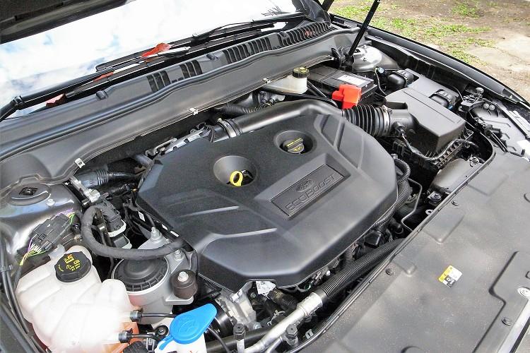 動力搭載2.0升渦輪增壓引擎,可輸出240ps/5300rpm最大馬力與35.2kgm/2300-4500rpm最大扭力。