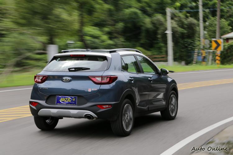 動力表現少了小車的活潑特性,也減少了它的運動色彩。