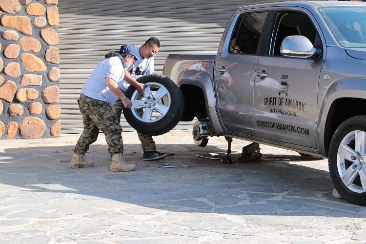 除了開車的關卡之外,換輪胎挑戰也會算在成績內。