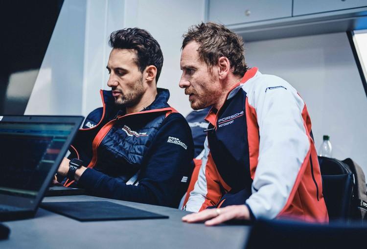 Michael Fassbender(右)將與德國籍Felipe Fernández Laser(左)駕駛No. 93 Porsche 911 RSR參戰利曼馳騁賽道。