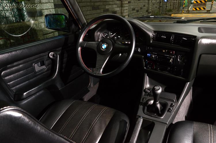 車主設定的愛車方向是恢復當年原廠樣貌,目前除了鋁圈跟懸吊之外沒有加裝任何改裝品。