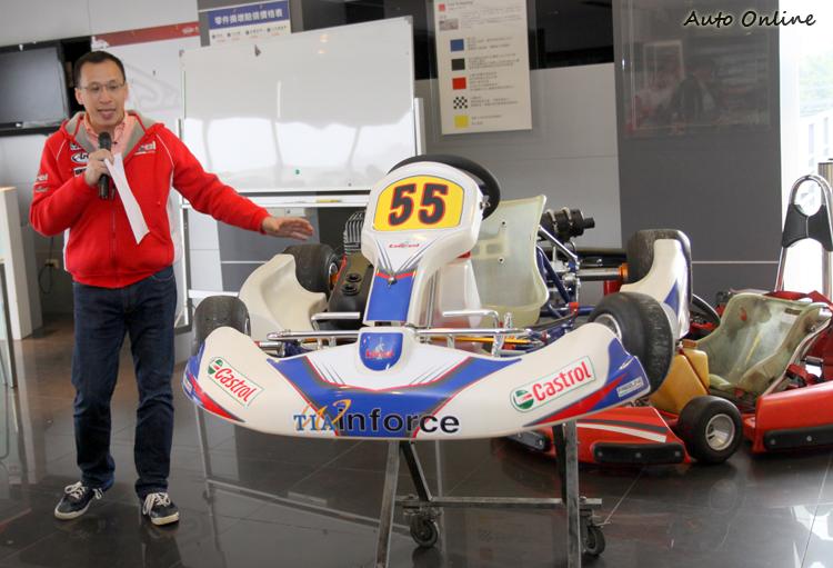 大魯閣一日賽車手的課程,就是教導學員如何來操駕YAMAHA SL二行程組別的卡丁車,課程教練由大魯閣許俊麒副總經理親自授課。