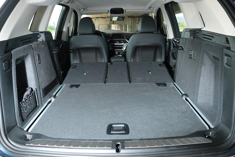 高達550公升的行李廂空間能擴充到超乎想像的1600公升。