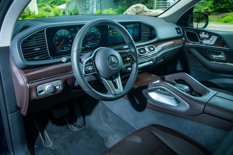 GLE的座艙配置堪稱集豪華與機能於一身,多樣化的選配可突顯車主的個人品味。