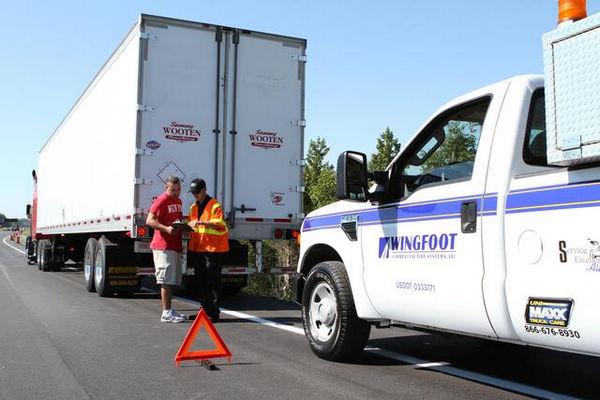 根據統計,美國有一半以上的貨車與卡車事故和輪胎有關。