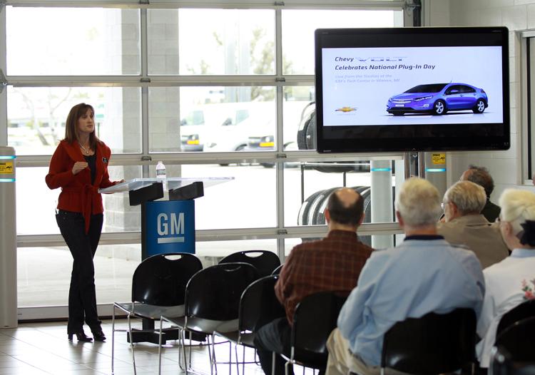 車廠與政府對於消費者及消防醫護人員在電動車安全觀念上的教育是相當重要的一環。