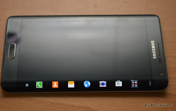 曲面螢幕可以獨立喚醒使用。