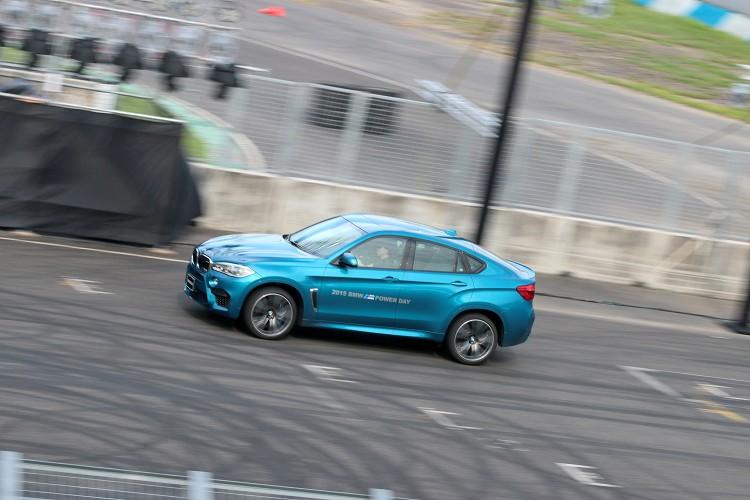 印象最深刻的是BMW X6M,擁有巨大的身軀以及誇張的車重,在賽道上一樣擁有無與倫比的駕駛樂趣。