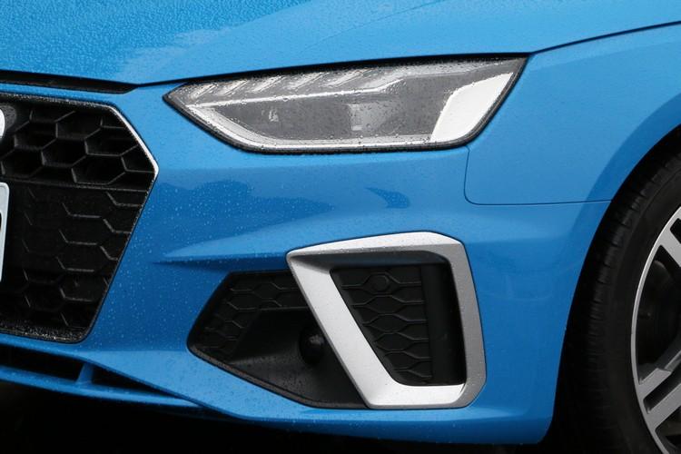 LED極光頭燈組和極線LED識別燈都是全車系的標準配備。