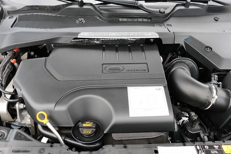 內燃機採一具Ingenium 2.0升四缸渦輪增壓引擎,最大馬力有249ps/5500rpm與37.5kgm/4500rpm最大扭力。