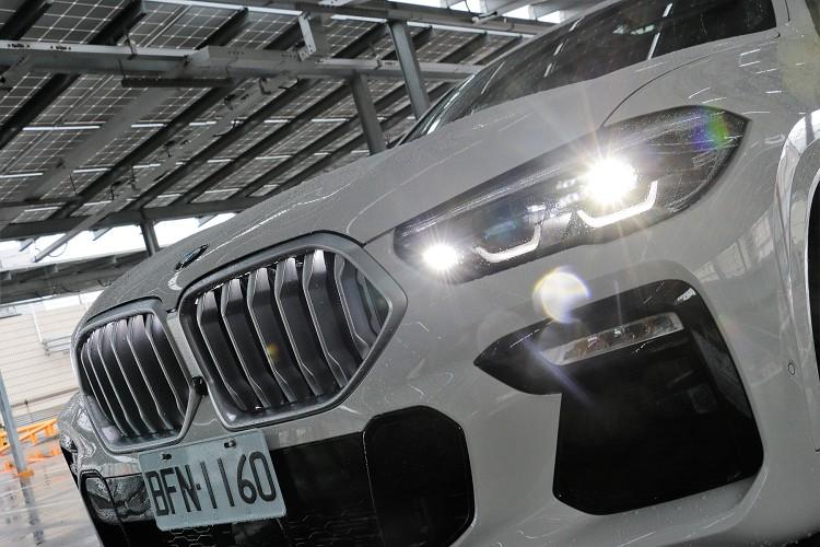 導入品牌中唯一會發光的「鼻孔」,令BMW車頭帶來全新感受。