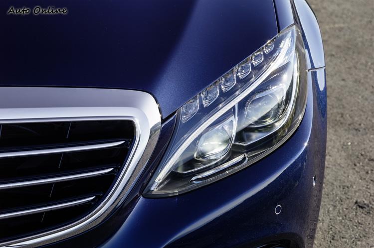 主動式LED頭燈總成與E、S-Class一樣,集高科技與設計感於一體。