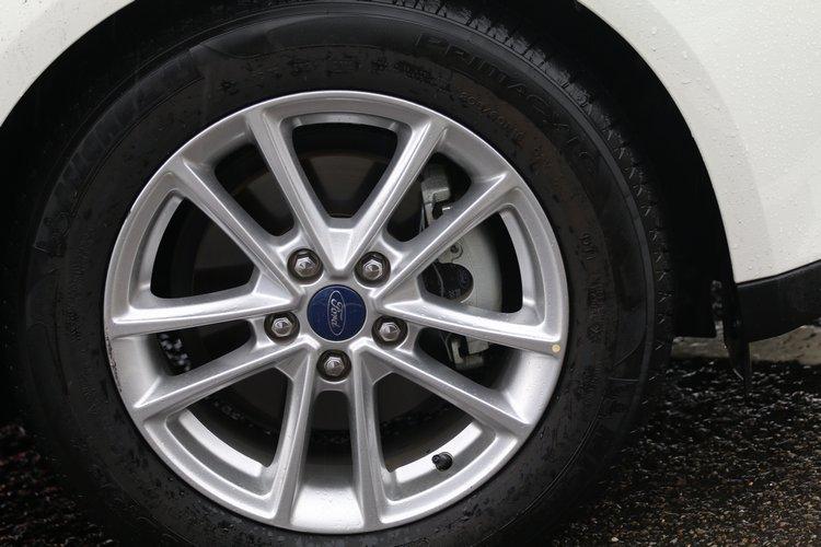 本次作為體驗的車輛皆為1.5L汽油時尚型,配備Prremacy LC的16吋舒適胎。