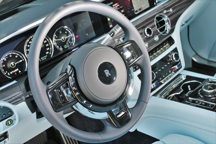 方向盤的造型可以感受到品牌經典的設計元素。