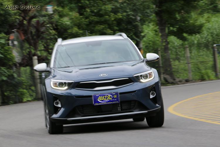 標配俗稱扭力向量煞車控制的TVBB彎道制動分配系統,在小車中算是罕見。