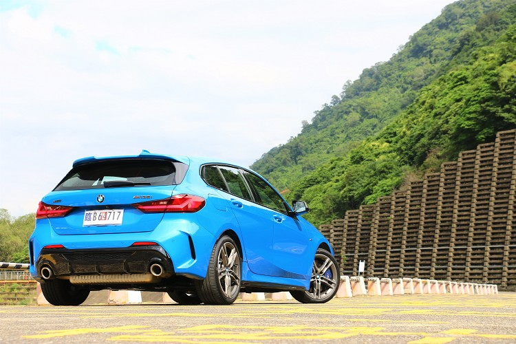 BMW M135i xDrive是我近期試駕到最有樂趣的掀背車。