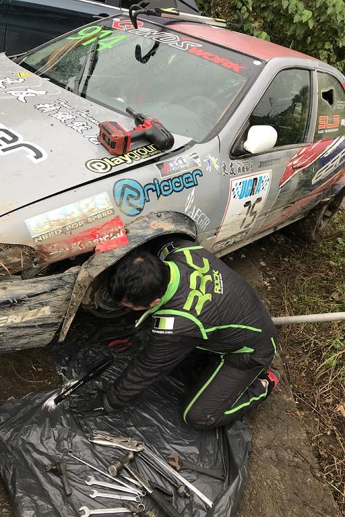 新立陞技師團隊在第一天結束後上山搶修,得以開回集結區並於第二天繼續比賽。