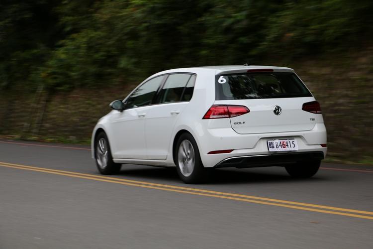 原本的1.2L由全新1.0L車型取代,扭力表現更出色。