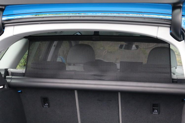 包括固定網和隔離網等套件都是A4 Avant全車系的標準配備。