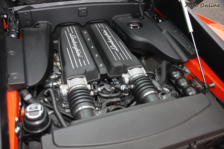 Gallardo動力基礎皆來自於5.2升90度角的V10引擎。