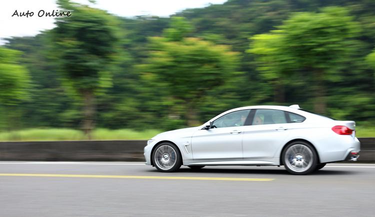 M款懸吊在彎中提供優異支撐性,帶來激烈操駕的穩定性。
