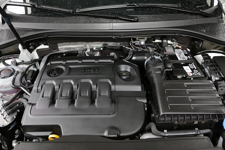 2.0升柴油引擎可輸出190hp最大馬力和40.8kgm的峰值扭力。