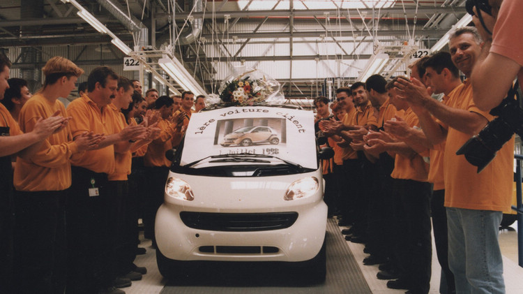 smart進入微型車市場,在開創傳奇之前卻先面對了自己的生存問題。