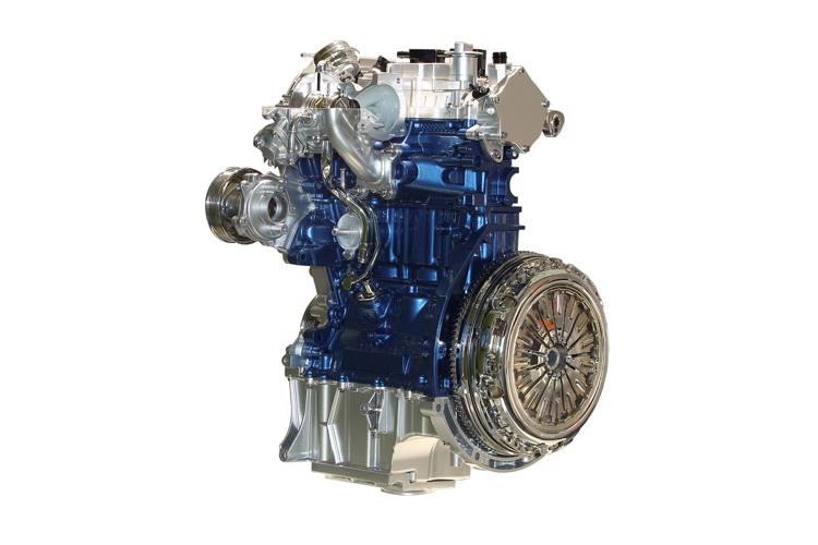 這張照片可以很清楚看到,1.0升EcoBoost的頭段設計在引擎本體內。