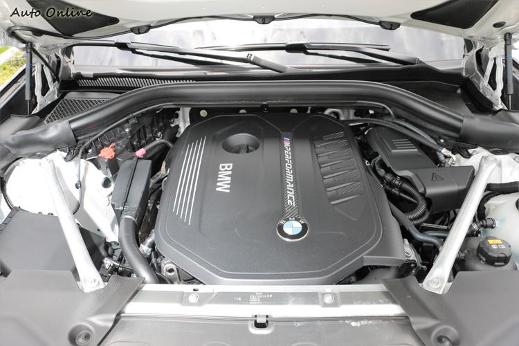 動力上M40i使用的是M部門專屬調校M Performance TwinPower Turbo 3.0升直列六缸汽油引擎。