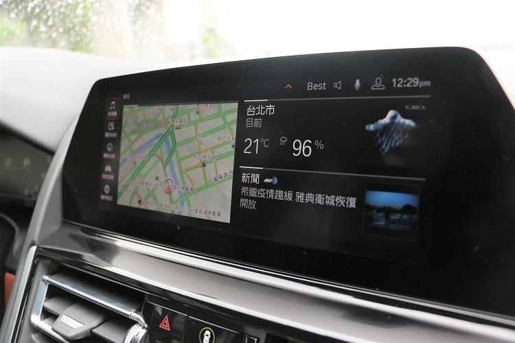 中控台螢幕尺寸為10.25吋。