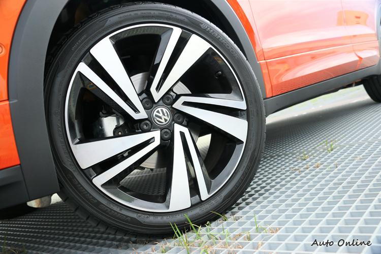 現在鋁圈配置動輒17吋以上,T-Cross配置到18吋規格鋁圈。