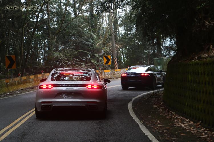 煞車燈同樣採用LED四點式發光設計,讓人一眼就能認出它的身份。