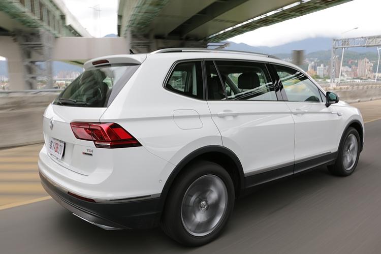 車重帶來的影響,使得 Tiguan Allspace很難獲得輕快的起步,但重點是它提供了這種車型所必須的高度舒適性。