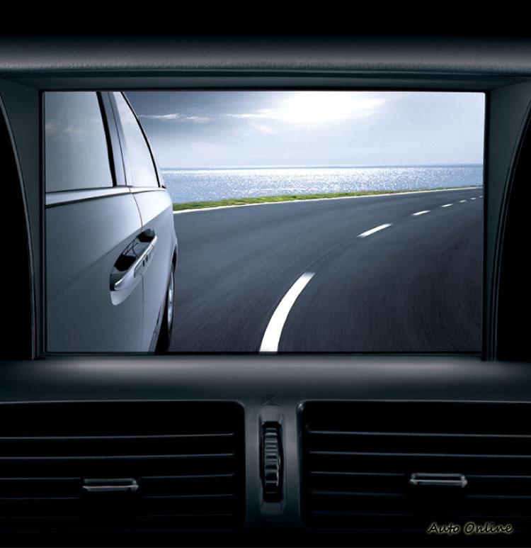 以影像輔助的各種新安全科技降低了駕駛者的視野死角。