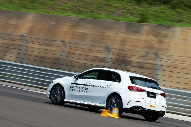 車身尺寸短小的全新世代A250,雖然馬力不大但底盤調校優異帶來有趣的操駕動態。