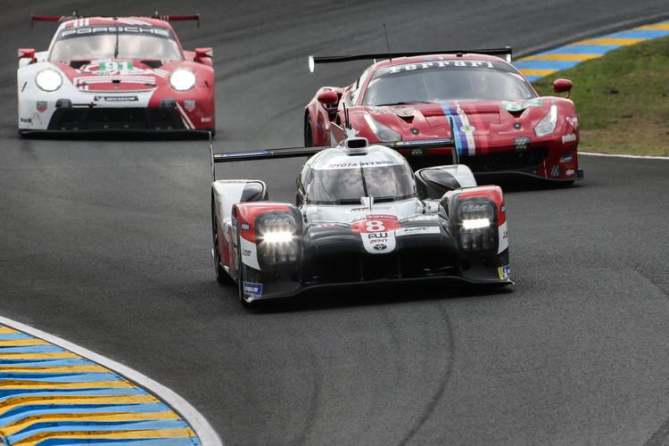 #8賽車在毫無懸念中以領先5圈的優勢,為Toyota連續三度奪下LMP1組及全場總冠軍。