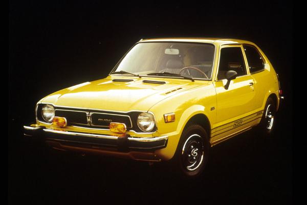 搭載了CVCC引擎的初代Civic,在石油危機造成的高油價時代橫掃了美國市場。