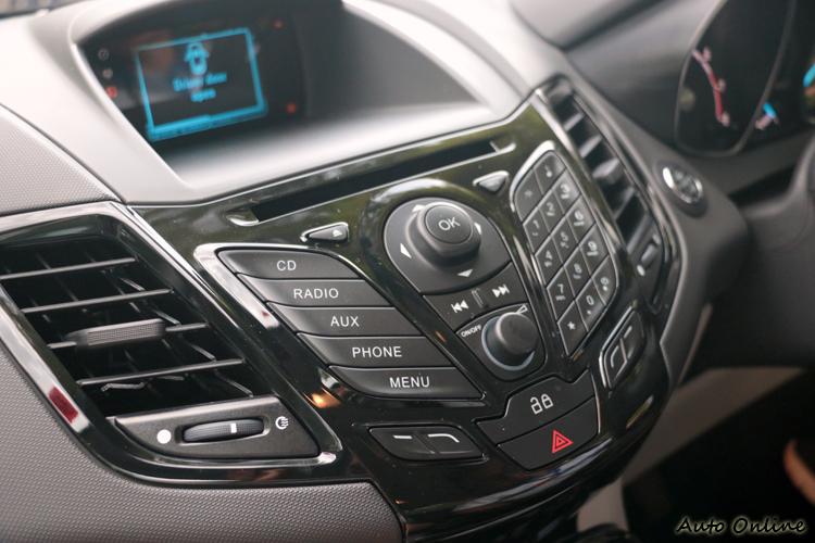 音響控制按鍵造型與現行Fiesta相同。