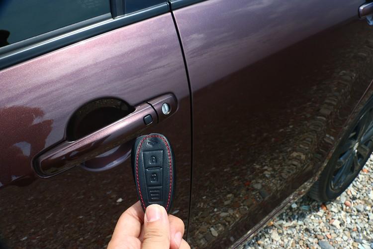 免鑰匙引擎觸控啟動系統提升方便性與科技感。