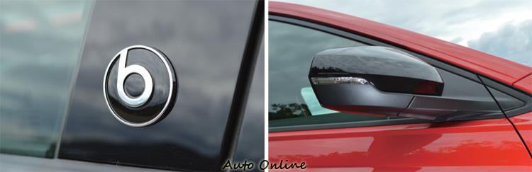 B柱上看得到beats的專屬徽飾,後視鏡還換上黑色高光澤外殼。