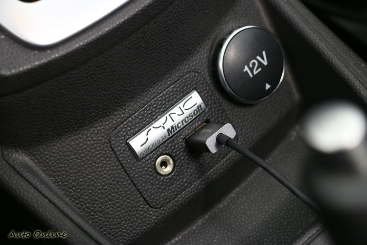 USB算是FORD車廠給的貼心配備。