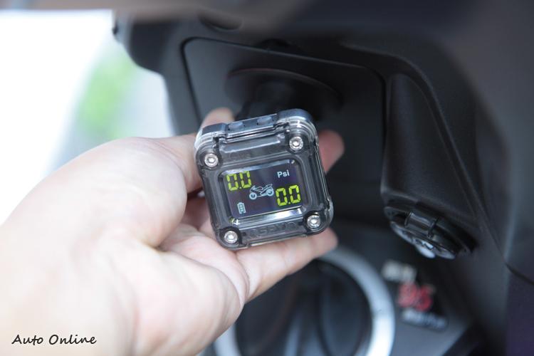 安裝須以不影響車頭轉向為原則,並盡量裝設在視線可及之處。