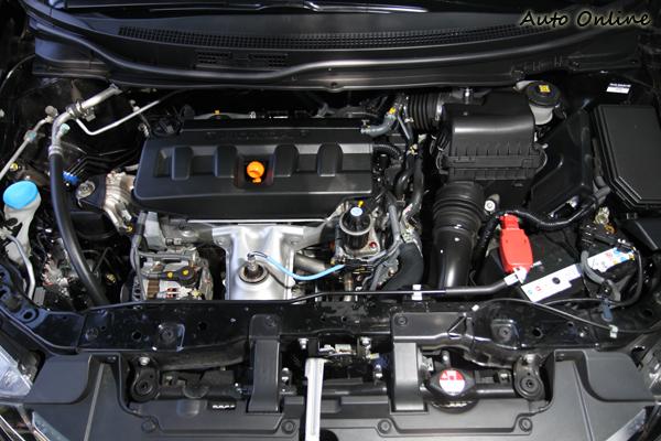 CIVIC 1.8VTi-S雖然輸出馬力最小,但在怠速引擎噪音以及運轉細緻度卻是三車表現最為優秀者。