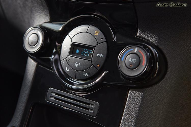 試駕車款有恆溫空調,不知道引進台灣有沒有這項配備。